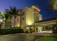 Hampton Inn & Suites Wellington - Wellington - Edificio