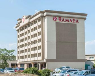 Ramada by Wyndham Edmonton South - Едмонтон - Building