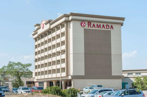 Ramada by Wyndham Edmonton South - Edmonton - Building