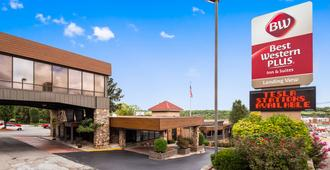 Best Western Plus Landing View Inn & Suites - Branson - Building