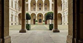 Saluzzo Paesana 1718 - Turin - Lobby