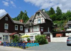 Ferienwohnungen Felseneck - 'Zur Bodehexe' - Thale - Building