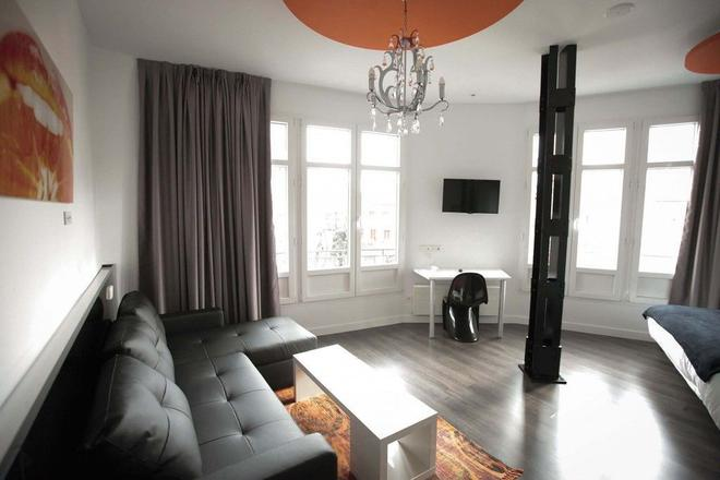 Vitium Urban Suites - Madrid - Living room