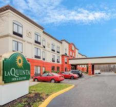 La Quinta Inn & Suites by Wyndham Mt. Laurel - Philadelphia