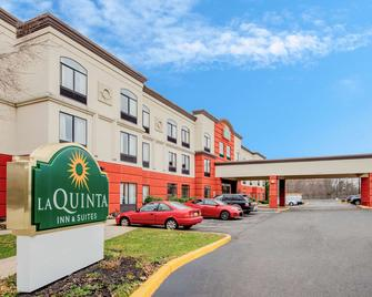 La Quinta Inn & Suites by Wyndham Mt. Laurel - Philadelphia - Mount Laurel - Gebouw