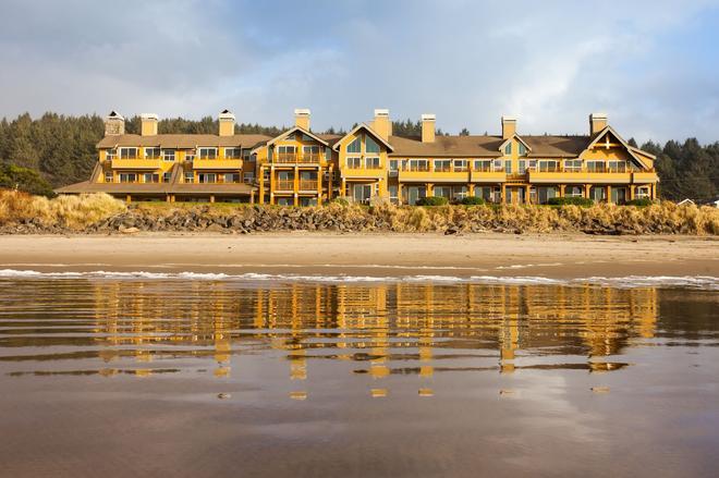The Ocean Lodge - Cannon Beach - Building