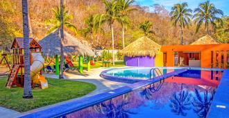 布里薩斯哈杜克酒店 - 華土哥 - 聖塔瑪麗亞華土哥 - 游泳池