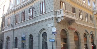 Affittacamere Iris Bed and breakfast - Trieste - Building