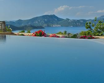 Swan Lake Boutique Hotel - Adults Only - Selimiye - Outdoors view