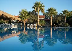 Flow Datca Surf & Beach Hotel - Datça - Pool