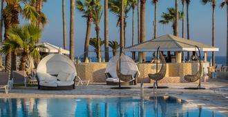 Leonardo Plaza Cypria Maris Beach Hotel & Spa - Paphos - Pool