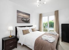 Montreux Lux 3 Bedroom Apartment - Montreux - Bedroom