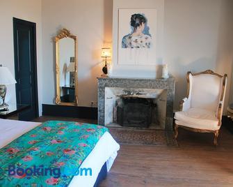 La vie de chateau - Grignan - Bedroom