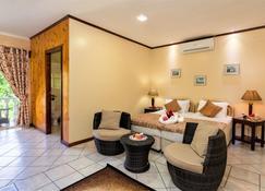 Carana Hilltop Villa - Glacis - Habitació