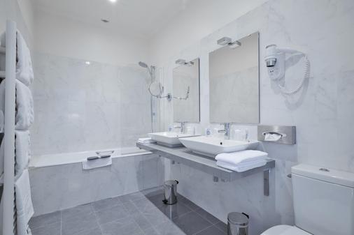 基里亞德薩莫爾酒店 - 索木爾 - 索米爾 - 浴室
