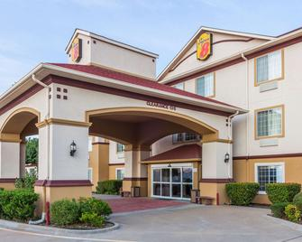 Super 8 by Wyndham Hillsboro TX - Hillsboro - Building