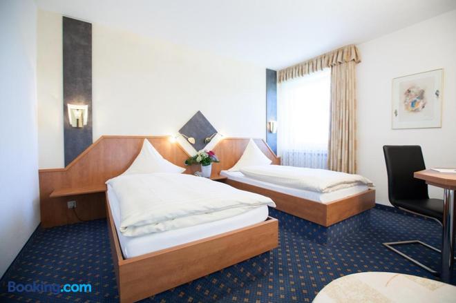 Hotel Alt Riemsloh - Melle - Bedroom