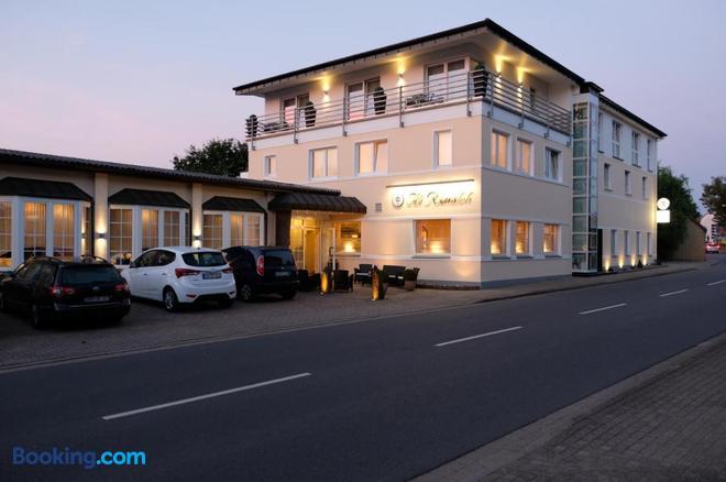 Hotel Alt Riemsloh - Melle - Building