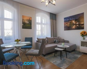 Proseco Apartments - Oppeln - Wohnzimmer