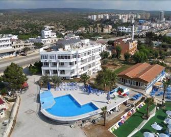 Veran Hotel Beach Club Restaurant - Erdemli - Pool