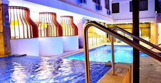 Hotel La Riviera - Santa Marta - Piscina