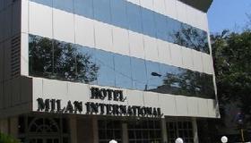 Hotel Milan International - Mumbai - Edificio