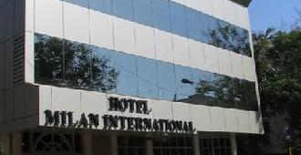 Hotel Milan International - Mumbai - Building