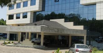 Best Western Premier Accra Airport Hotel - אקרה