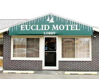 Euclid Motel - Bay City - Building