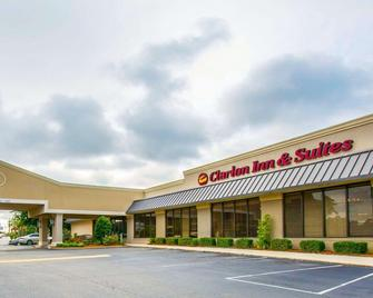 Clarion Inn & Suites Dothan South - Dothan - Building