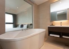 F Hotel Kaohsiung - Kaohsiung - Bathroom