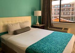 Howard Johnson by Wyndham Reno Downtown - Reno - Bedroom