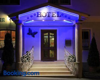 Hotel Pension Fleischmann - Roding - Gebäude