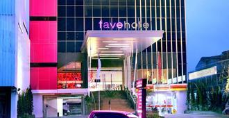 favehotel Pasar Baru - Jakarta - Building