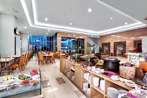フェイブホテル パサール バル - ジャカルタ - ビュッフェ