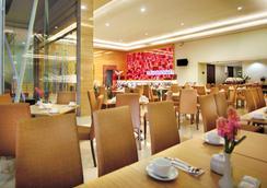 フェイブホテル パサール バル - ジャカルタ - レストラン