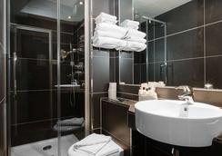 Hotel De La Paix - Paris - Bathroom