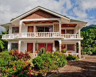 Villa de Roses - Beau Vallon - Building