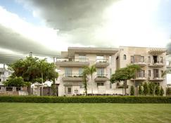 Perch Service Apartments - Gurugram - Edificio