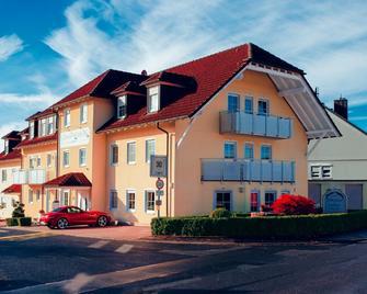 Hotel Waldeck Garni - Kist - Building