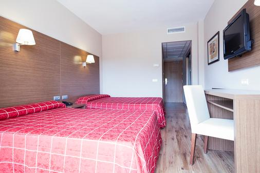 Hotel Oasis Park - Salou - Bedroom