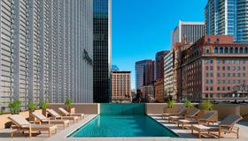 鳳凰市中心威斯汀酒店 - 鳳凰城 - 游泳池