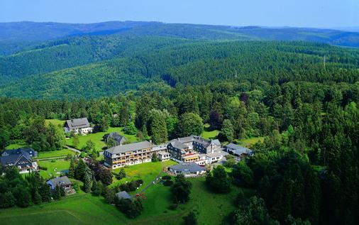 Hotel Jagdhaus Wiese - Schmallenberg - Outdoor view