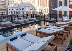 Radisson Blu Hotel & Residence, Cape Town - Cape Town - Pool