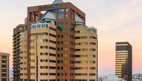 Radisson Blu Hotel & Residence, Cape Town - Cape Town - Building