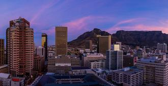 Radisson Blu Hotel & Residence, Cape Town - Cape Town - Outdoor view