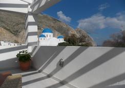 Sunrise Studios Perissa - Fira - Vista del exterior