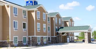 Cobblestone Hotel & Suites - Devils Lake - Devils Lake