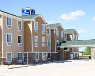 Cobblestone Hotel & Suites - Devils Lake - Devils Lake - Gebäude