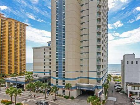Carolinian Beach Resort - Myrtle Beach - Building
